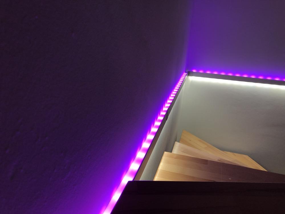kleiner workshop schicke treppenbeleuchtung mit dem paulmann duo profil lightstrips plus. Black Bedroom Furniture Sets. Home Design Ideas