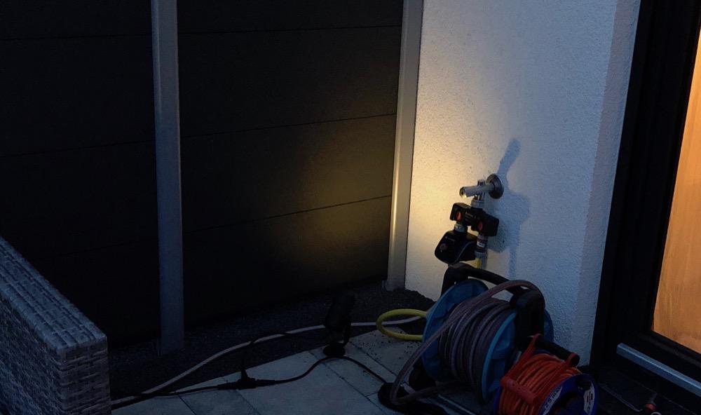 philips hue lily. Black Bedroom Furniture Sets. Home Design Ideas