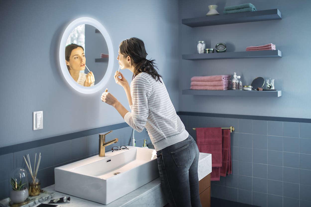 Philips Hue Adore im Video: Beleuchteter Badezimmerspiegel ...