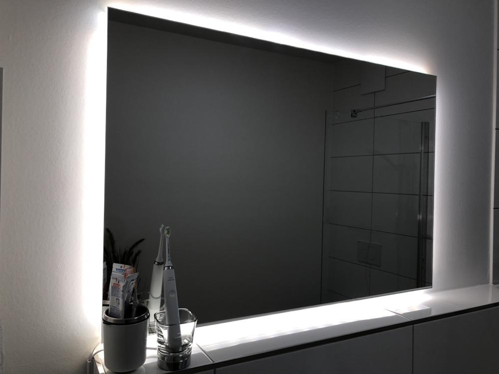 Hueblog: Zeig' dein Hue: Smarter Badezimmerspiegel selbst gemacht