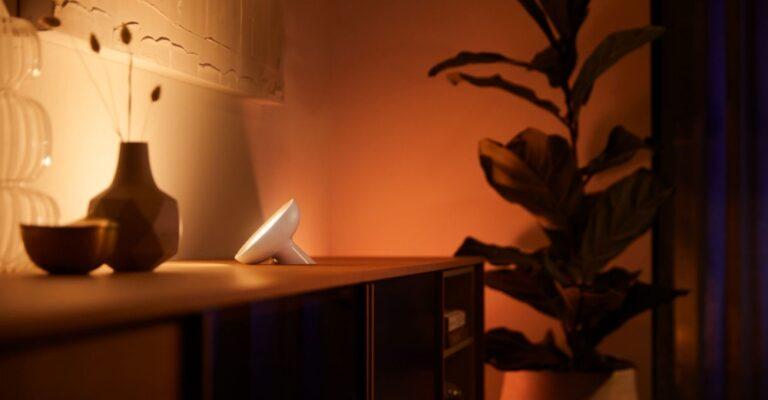 Hueblog: Philips Hue Bloom: Stimmungslicht bekommt mehr Helligkeit und Bluetooth