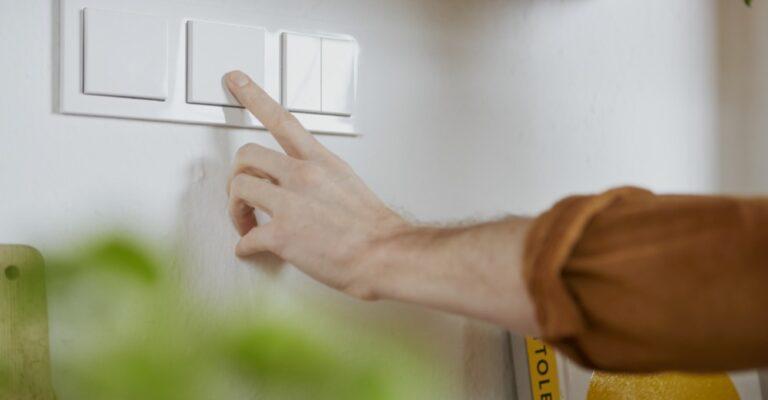 Hueblog: Philips Hue Wandschalter Modul löst das Lichtschalter-Problem