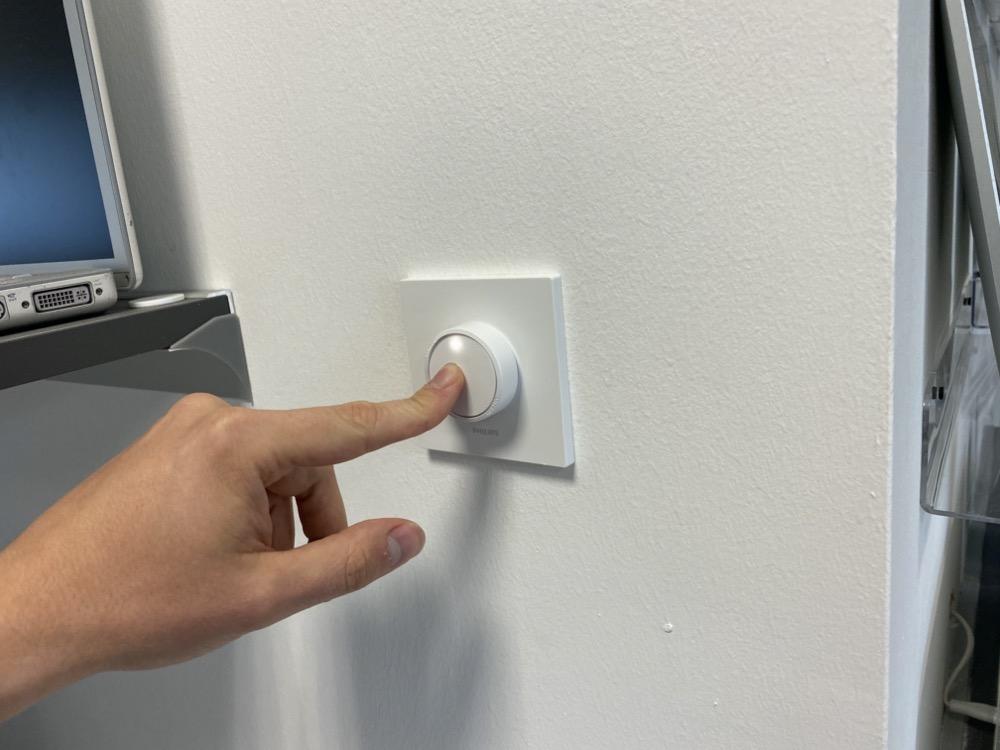 Hueblog: Lutron Aurora passt auf Montageplatte des Hue Smart Button