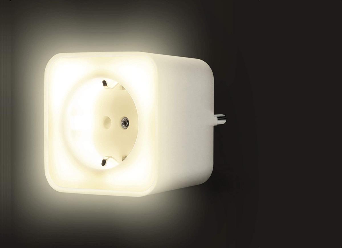 Hueblog: Smart+ Nightlight Plug kombiniert Nachtlicht mit einem ZigBee-Zwischenstecker
